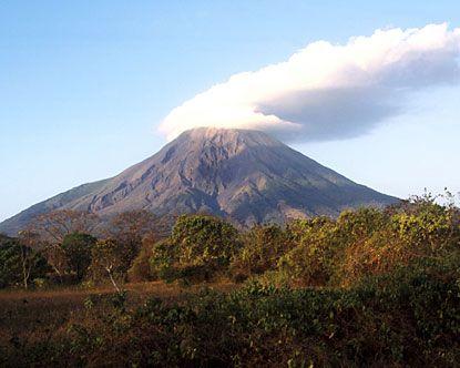 Uno de los dos Volcanes en la Isla de Ometepe