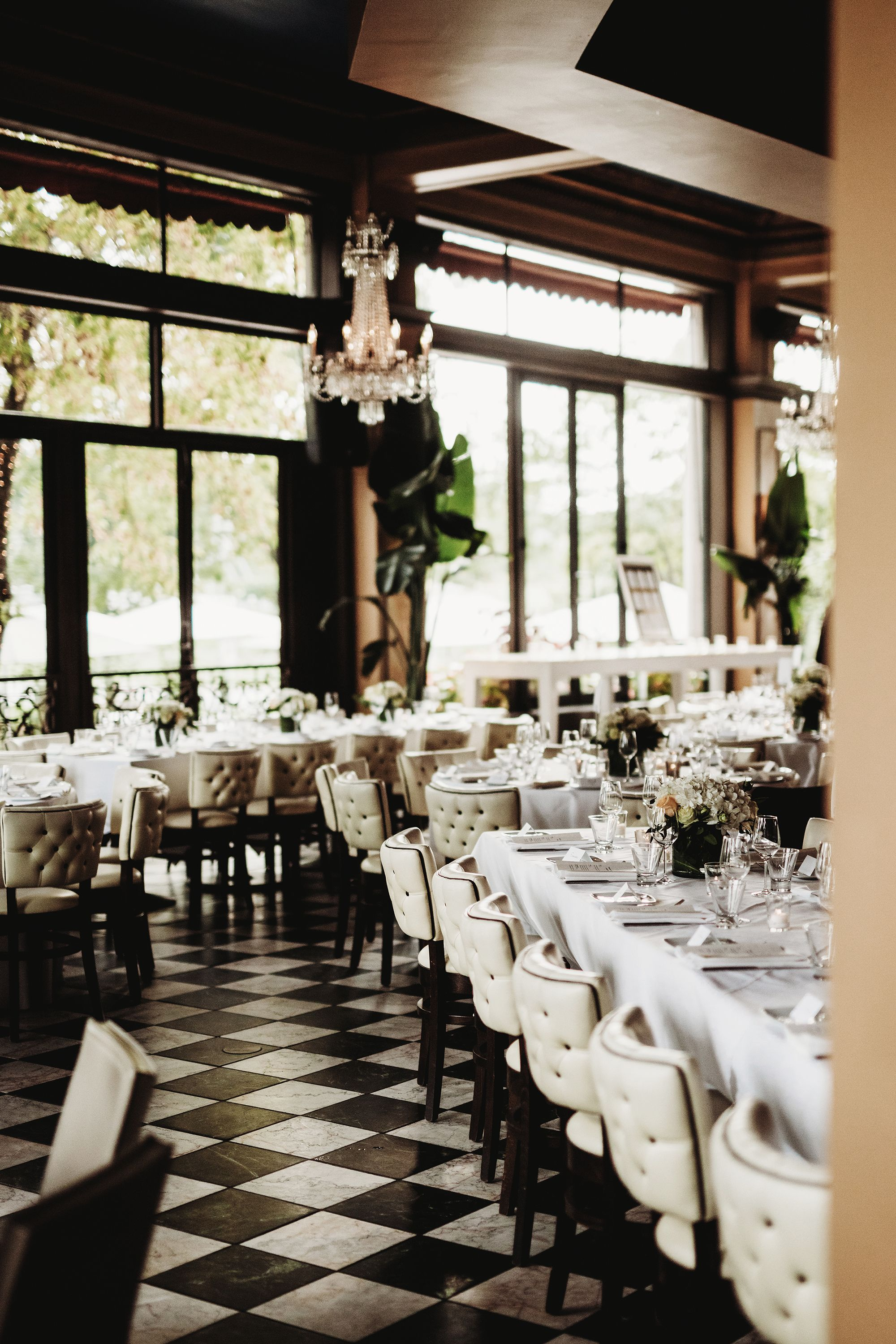 Our Favorite Restaurant Wedding Décor Ideas White