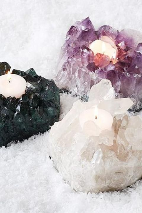 Uses Of Quartz Crystals Crystals Crystal Decor Crystal Wedding