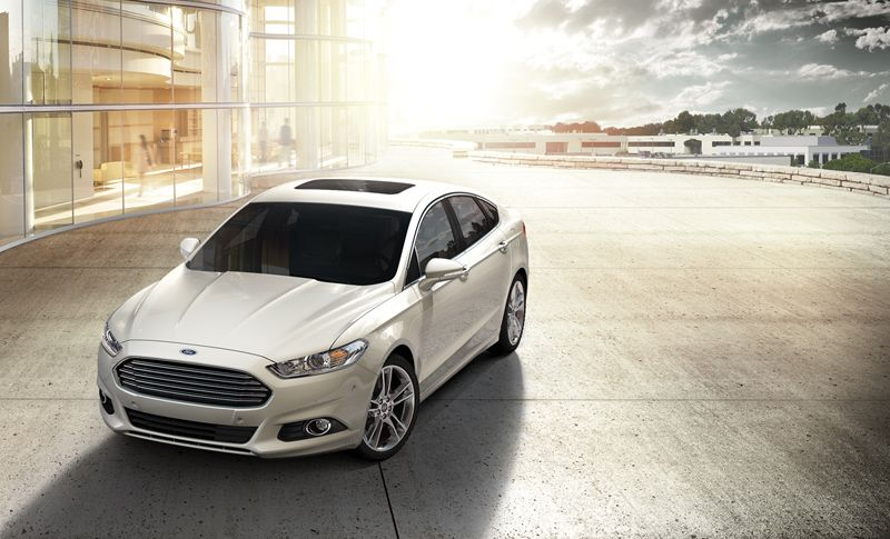 The Affordable Beauty Ford Fusion 2013 White Platinum Still