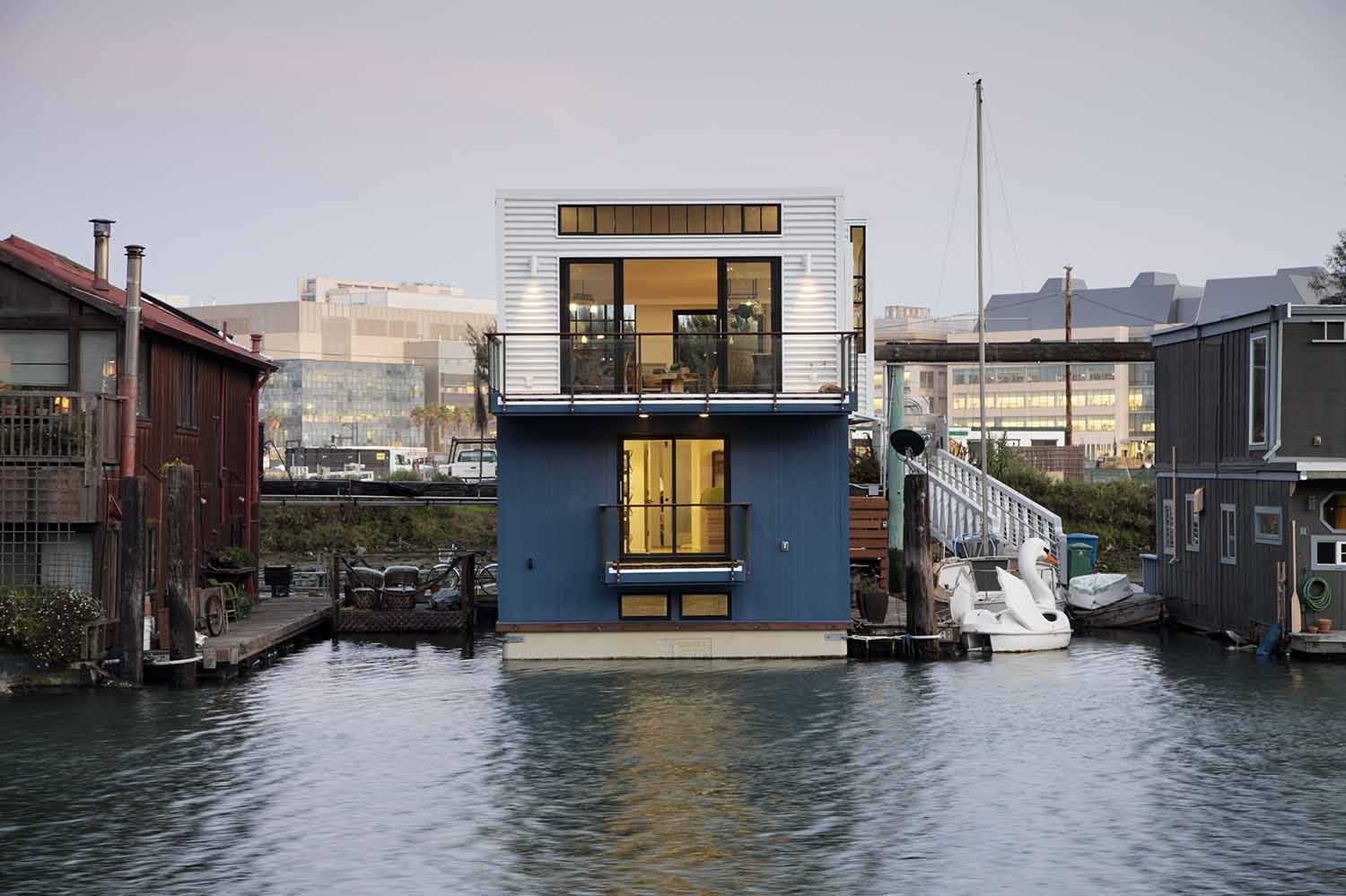 Modulhaus Loft A Loft Like Floating Home On The San Francisco Waterfront Floating