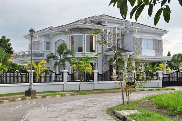 Luxury house lot for sale in bi an laguna philippines for Big modern house philippines