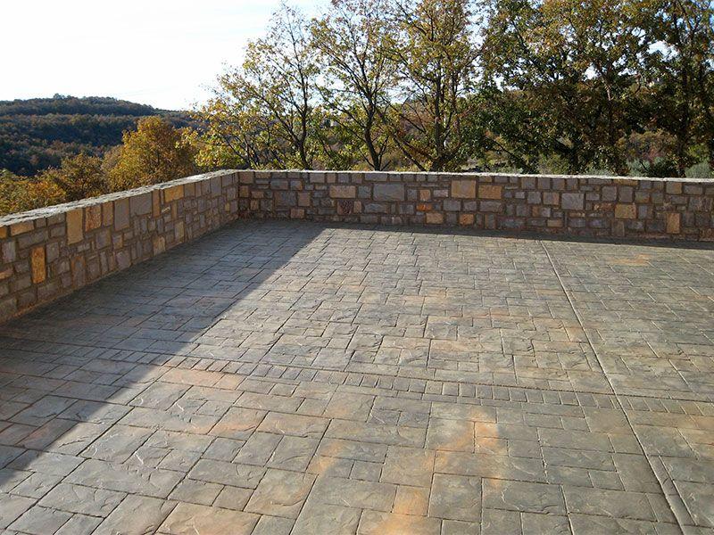 Pavimento Stampato per una terrazza panoramica: un esempio di ...