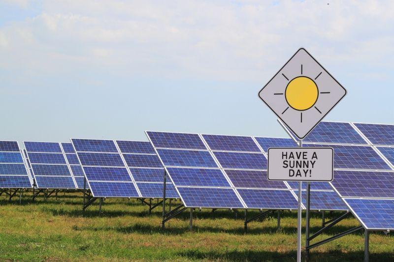Virginia Regulators Rain On Dominion S Solar Parade 76 Mw In Doubt Advantages Of Solar Energy Solar Energy Diy Renewable Solar