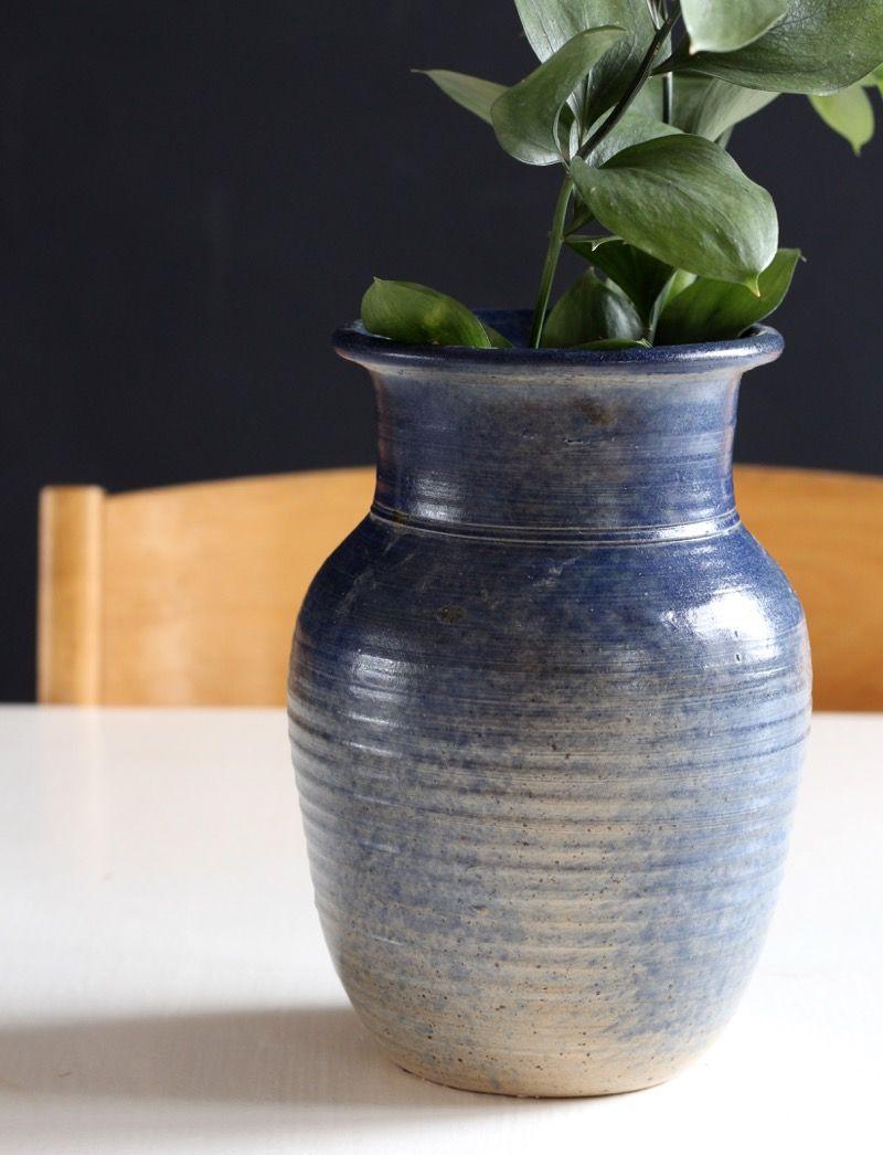 #ceramic #interior #flowers #blue Keramiikkarakkautta, huippulöytö paikalliseslta FB roskalavalta ja juttua halvalla sisustamisesta