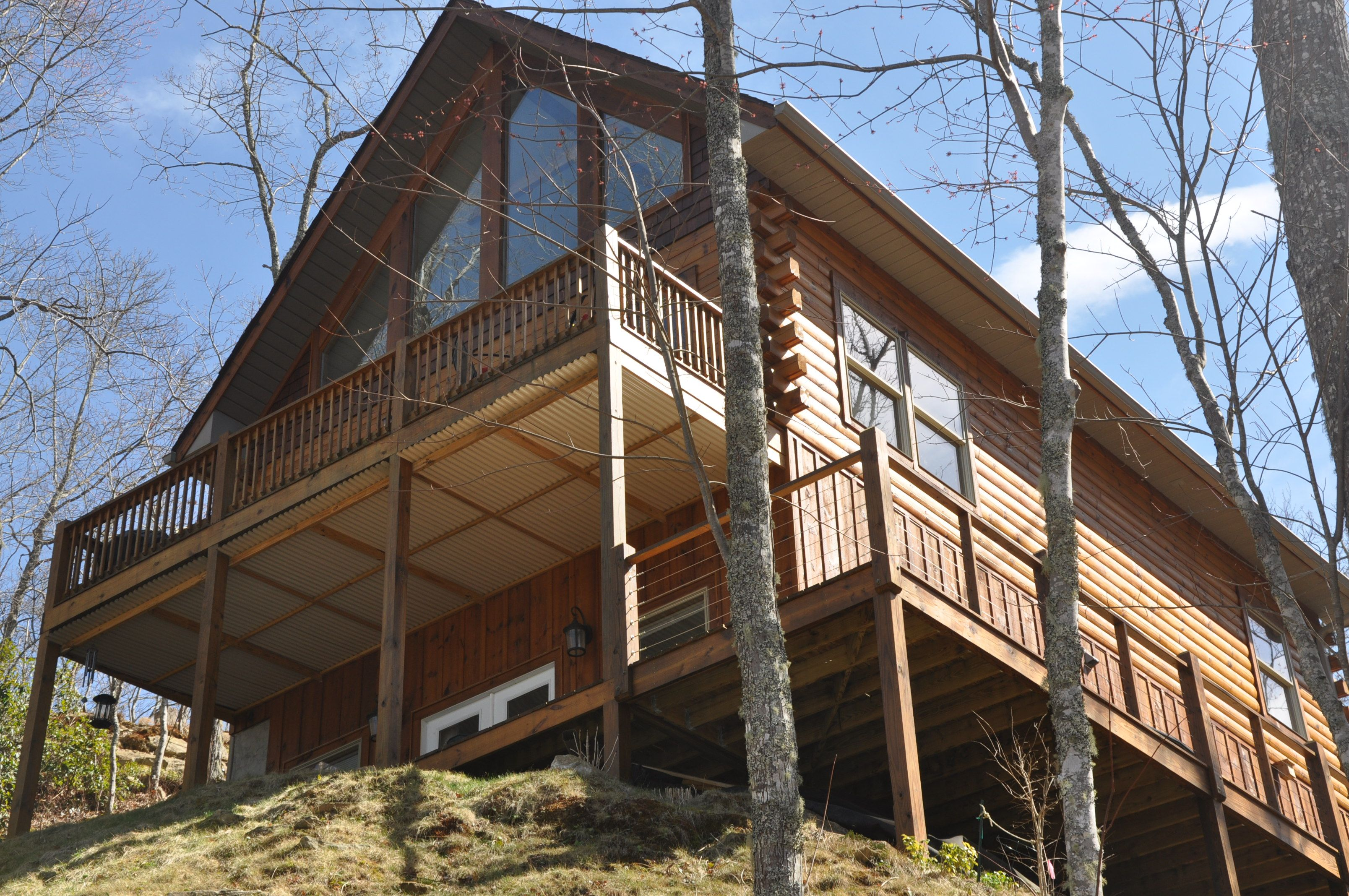 Northern Sky Cabin Is High On A Secluded Mountainside Outside Of Cherokee Nc Northern Sky Cabin North Carolina Cabin Rentals Bryson City Cabins E Cabin