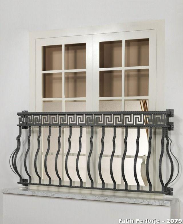 balkon gel nder schmiedeeiserne akzente franz sische fenster dachboden pinterest balkon. Black Bedroom Furniture Sets. Home Design Ideas