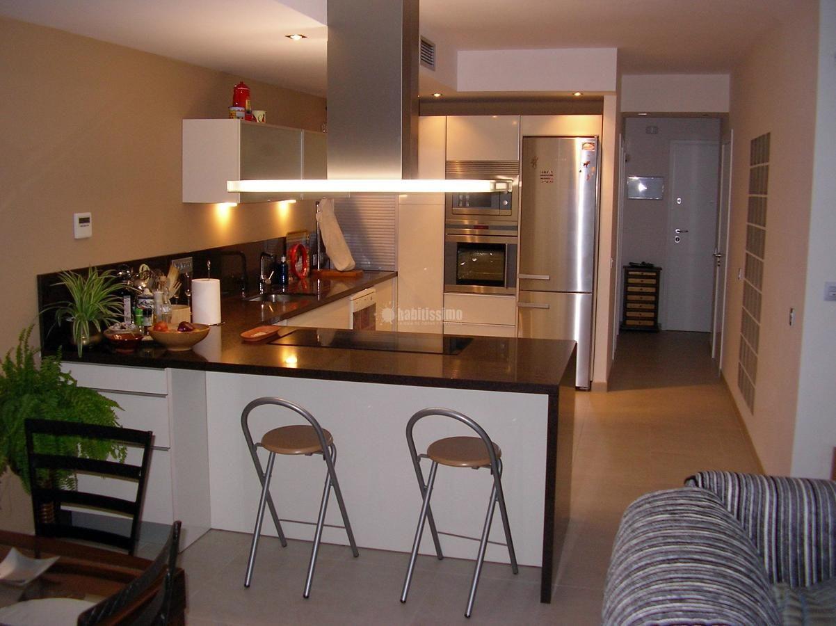 Cocinas de casas diferentes tipos de puertas correderas for Cocinas diferentes