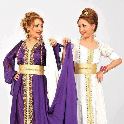Moroccan twin singers in caftan posing.!! cute cb856933dcf