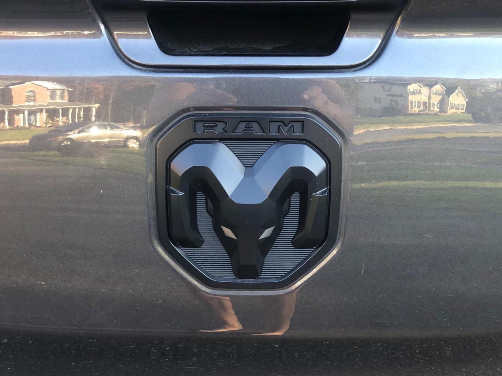 Dodge Ram 1500 Dt Tailgate Emblem 2019 Dodge Ram 1500 Dodge Ram Ram 1500 Accessories