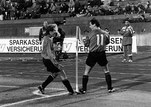 Vfb Stuttgart 2 3 Ca Osasuna Copa De La Uefa Nov 1 991 Aguila Y Merino Copa De La Uefa Stuttgart