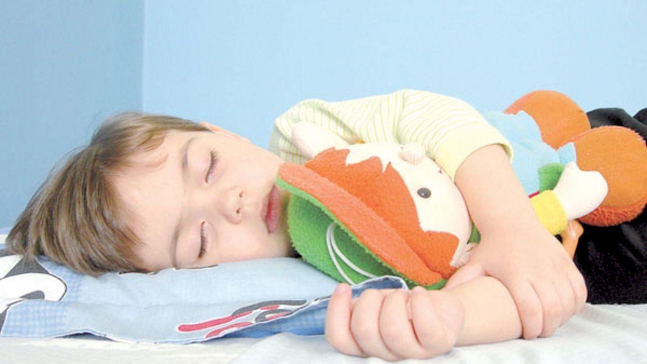 أعراض سلس البول Travel Pillow