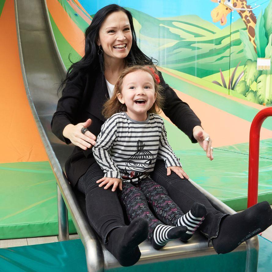 Tarja and daughter naomi tarja turunen pinterest for Naomi jansen