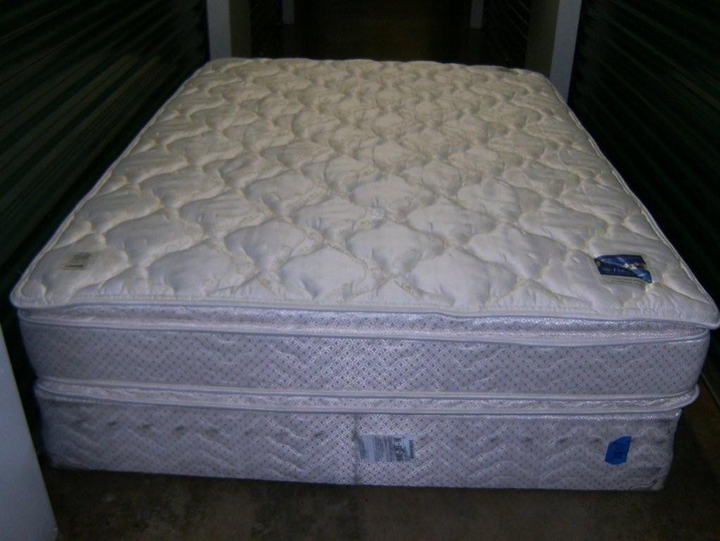 queen size pillow top serta perfect sleeper mattress u0026 box spring in garage sale