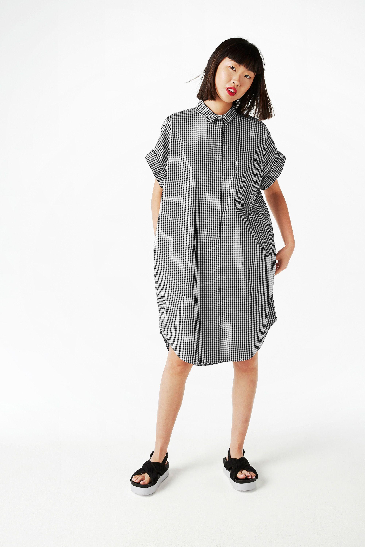 3d2ed23c61efb Oversize shirt dress - Cheery check - Dresses - Monki GB   Fashion ...