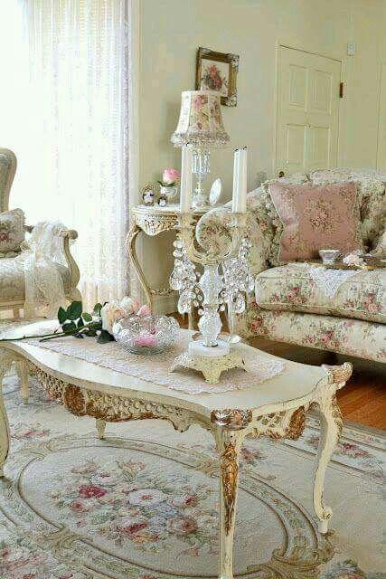 I LOVE A Shabby Chic Style Living Room!!! Bebe\'!!! So pretty ...