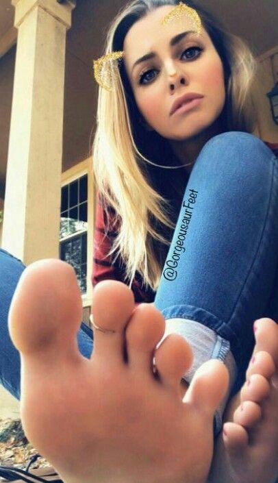 Leylas feet get pampered
