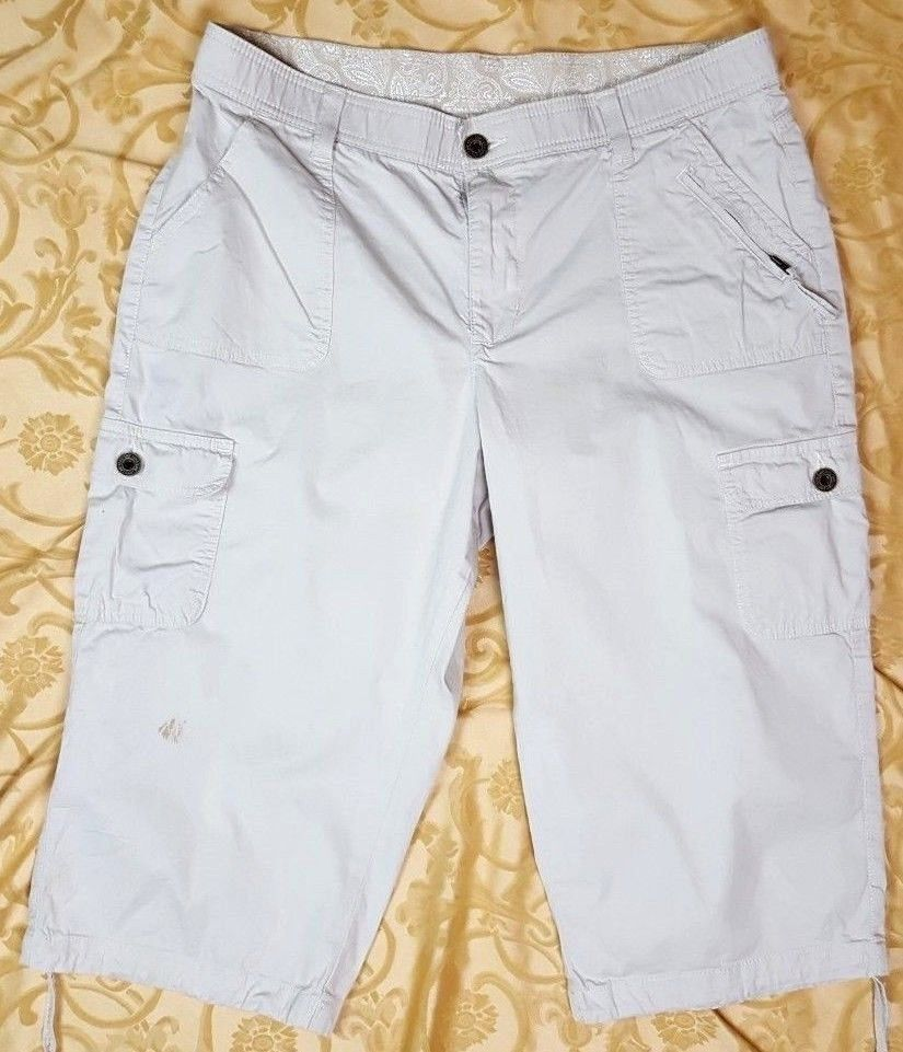 c6a3ef32a8a LEE Women s Plus Size 16M Straight Fit Bohemian Cargo Capri Pants  Tie-Bottom  Lee  Straight  Casual