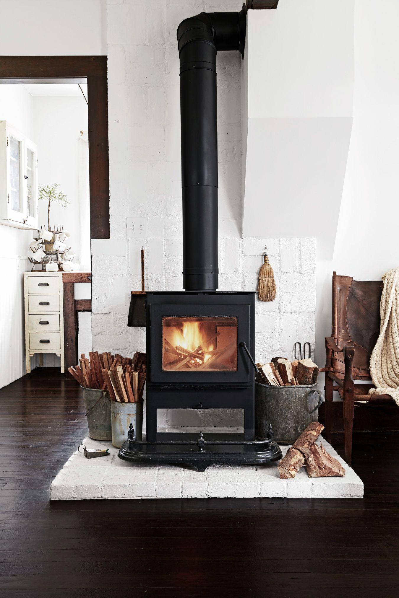 Wood Burning Stove With White Brick Ouderwetse Kachels