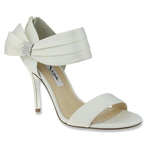 fee7a1bf0772 Amazon.com  Nina Women s Cosmos LS Dress Sandal  Shoes
