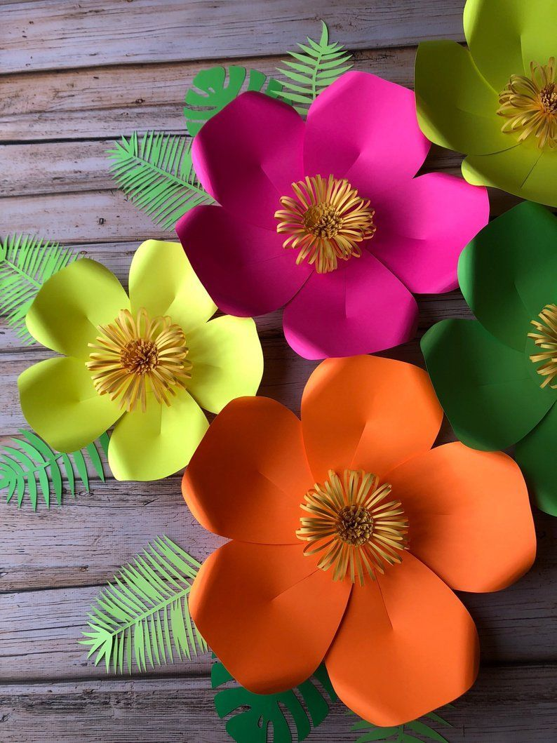 Set Of 5 Tropical Paper Flowers And 8 Leaves