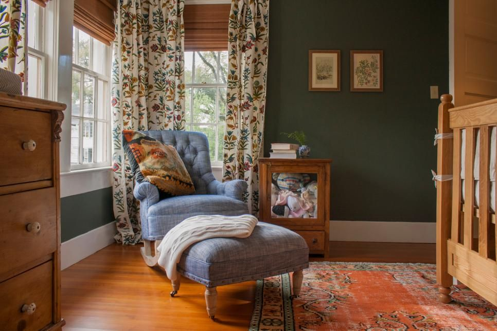 grandmillennial vintage style with erin napier home town on paint colors designers use id=49402