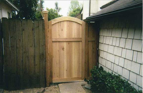 Fence gate designs custom wood gates wood garden gates for Wooden main gate design
