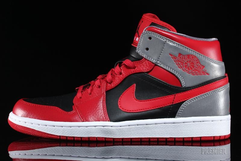 Air Jordan 1 Mid – Fire Red / Black