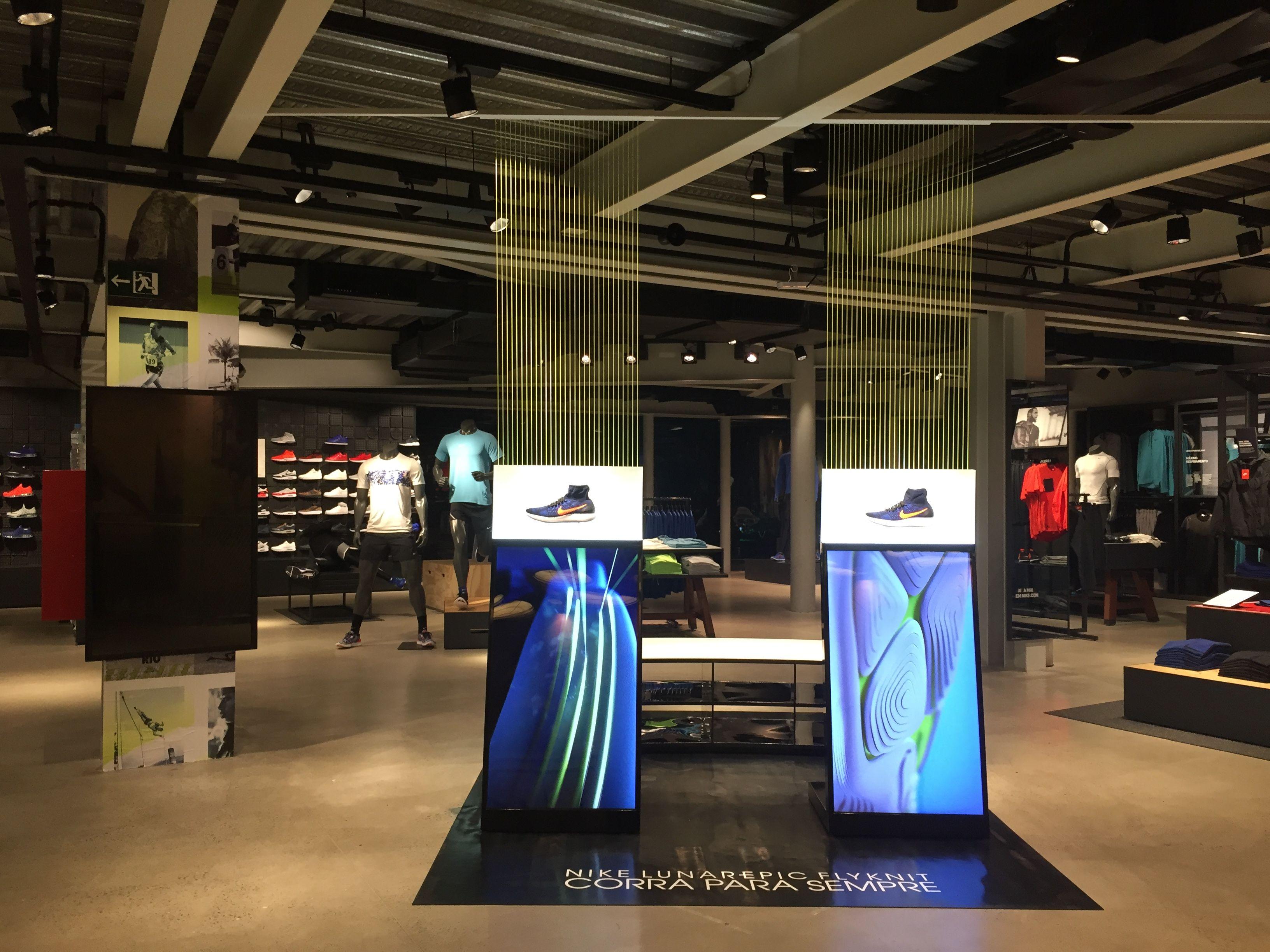 superávit Contrapartida bufanda  NIKE LUNAREPIC FLYKNIT at NIKE IPANEMA. | Retail interior, Shop interiors,  Retail design