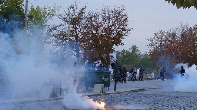 Police attacked ODTÜ students: 15 taken into custody - http://www.kurdishinfo.com/police-attacked-odtu-students-15-taken-into-custody