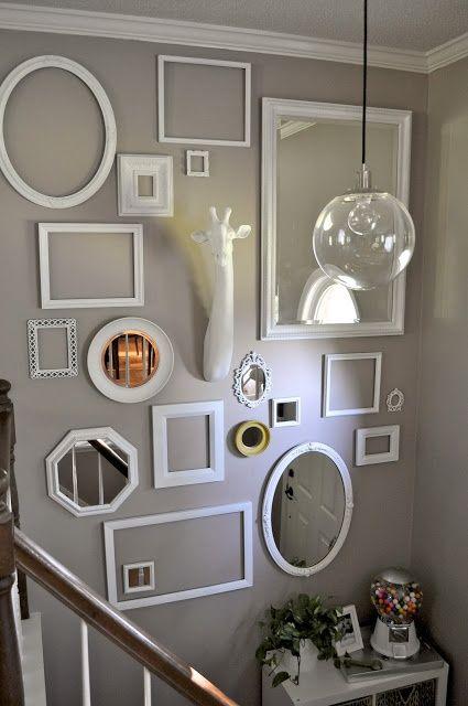 Decorar una pared con marcos vacíos http://www.icono-interiorismo ...