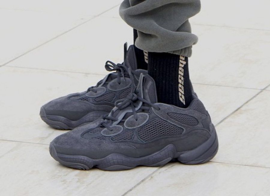 Pin By Joseto Martinez On Projects To Try Yeezy 500 Black Yeezy 500 All Black Sneakers