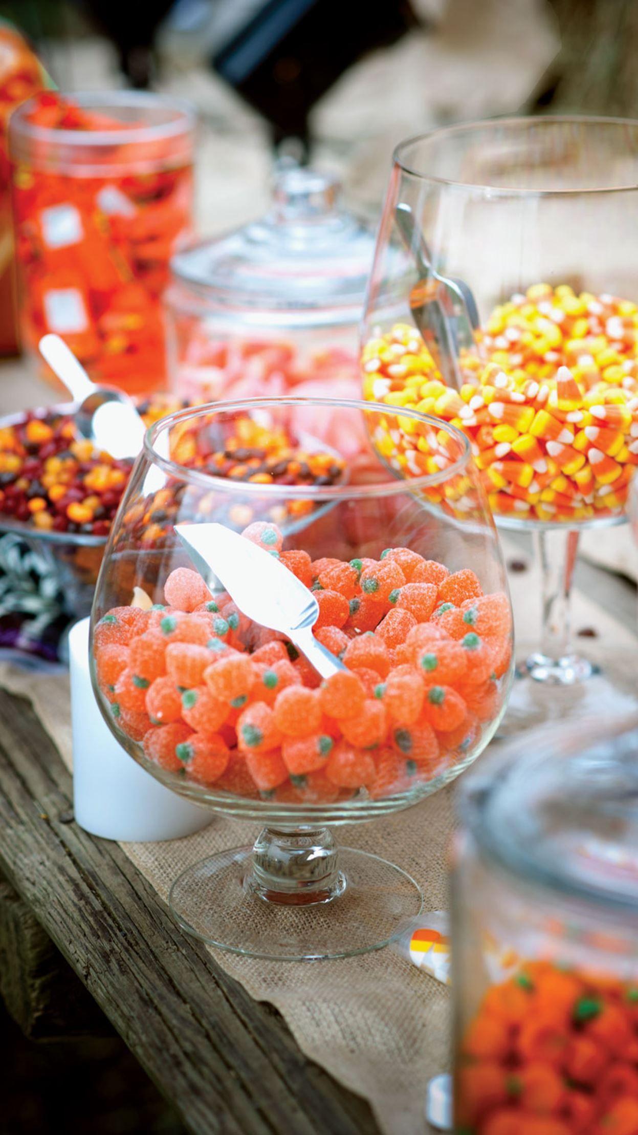 Halloween wedding ideas that are classy, not creepy