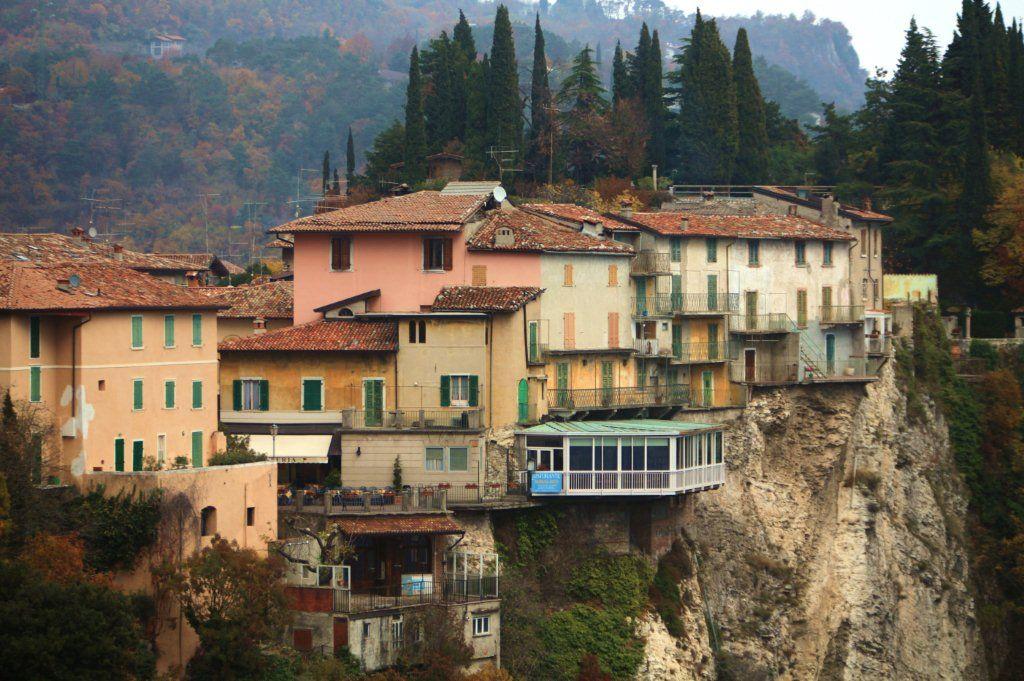 Beautiful Tremosine Terrazza Contemporary - Design and Ideas ...