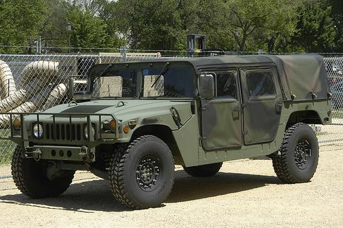 humvee parked on the mall 20026 | military vehicles | pinterest