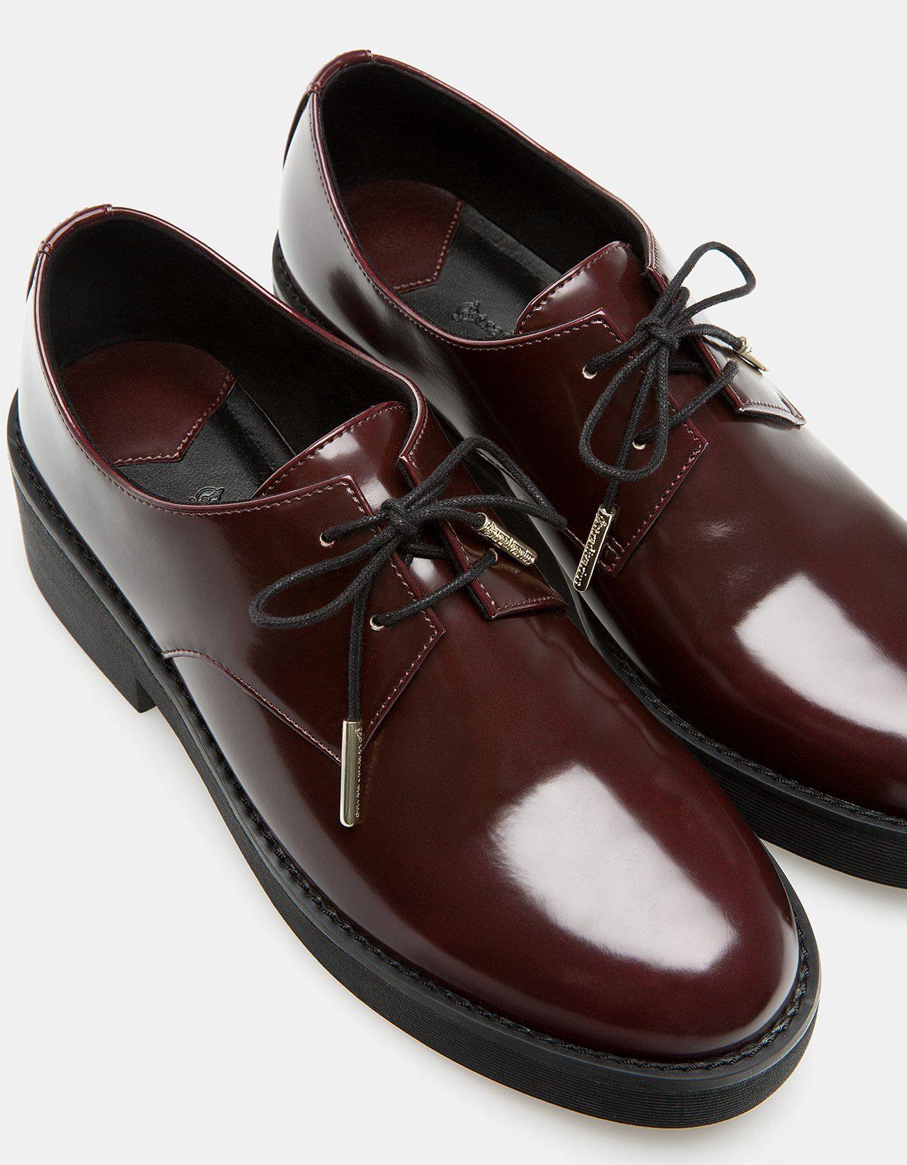 6eaf499ea Sapatos rasos com cordões - TODOS - MULHER | Stradivarius Portugal ...
