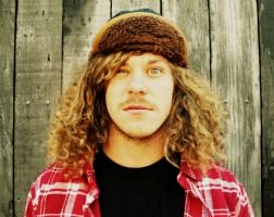 blake anderson... I might just have a teensy crush on him, what can I say, I love a funny guy.