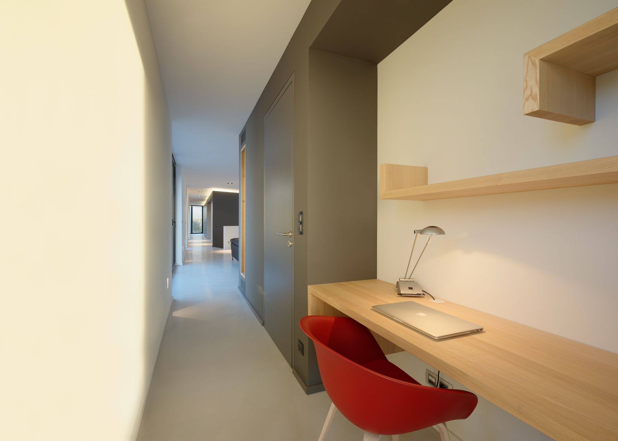 Image 4 of 37 from gallery of House S  / Ideaa Architectures. Photograph by Alain-Marc Oberlé