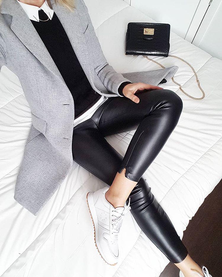 """Photo of M a r i e l l e på Instagram: """"For å svare på spørsmålene mine er frakken min fra forrige vinter, men den er helt lik den mannlige modellen til @zara som du …"""""""