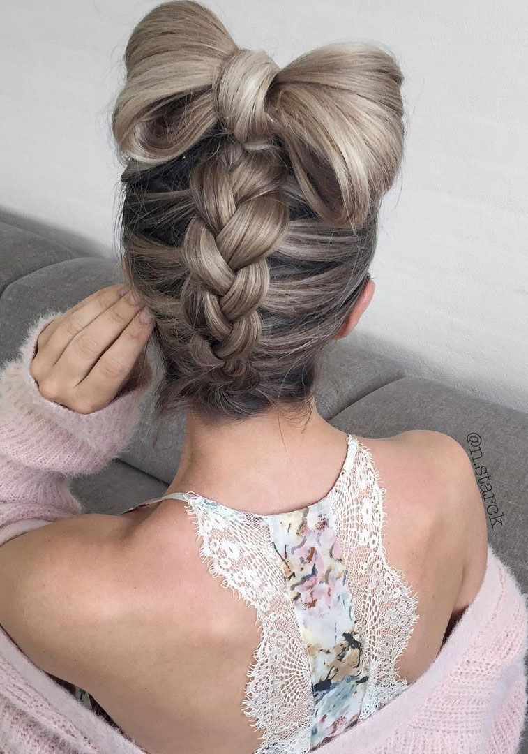 39 Trendy + Messy & Chic Braided Hairstyles – upside down briad + cute bow