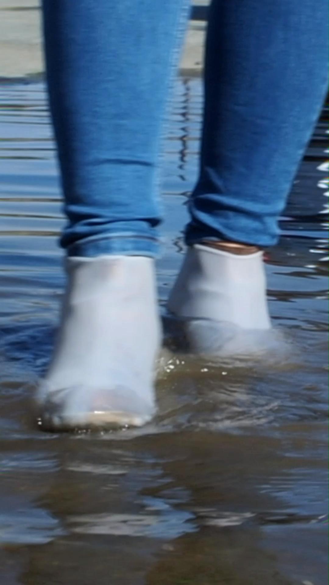 Photo of ΟΧΙ ΑΛΛΑ βρεγμένα παπούτσια ή κάλτσες!