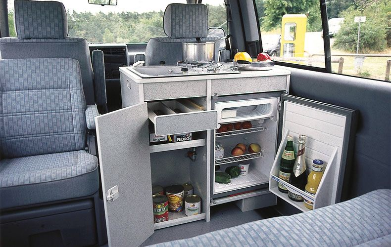 Muebles pr cticos para tu furgoneta for Muebles furgoneta camper