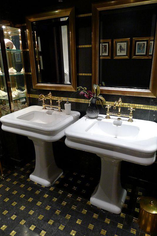 Art d co le restaurant prunier paris de nos jours int rieur lavabos sublime art d co for Salle de bain art nouveau