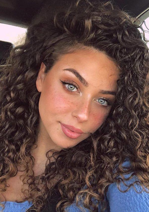Trending Hairstyles 2019 - Medium Curly Hairstyles #curlyhairstyles