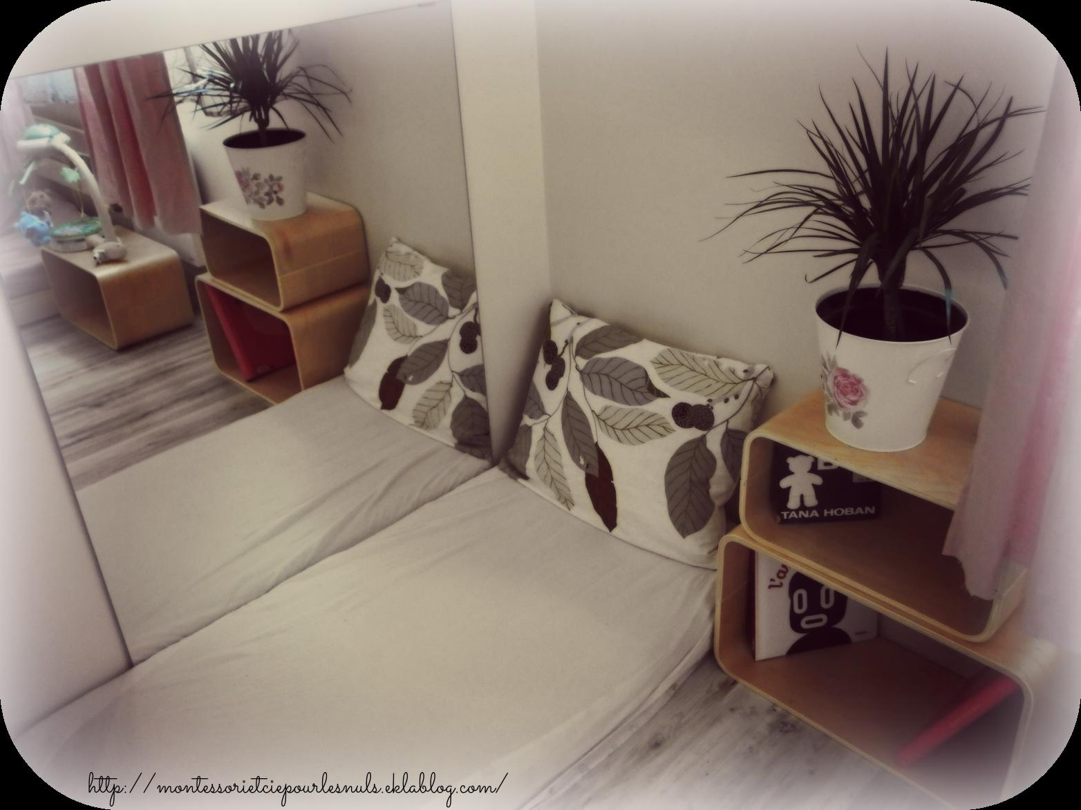 Nido et miroir nido montessori pinterest for Modele chambre montessori
