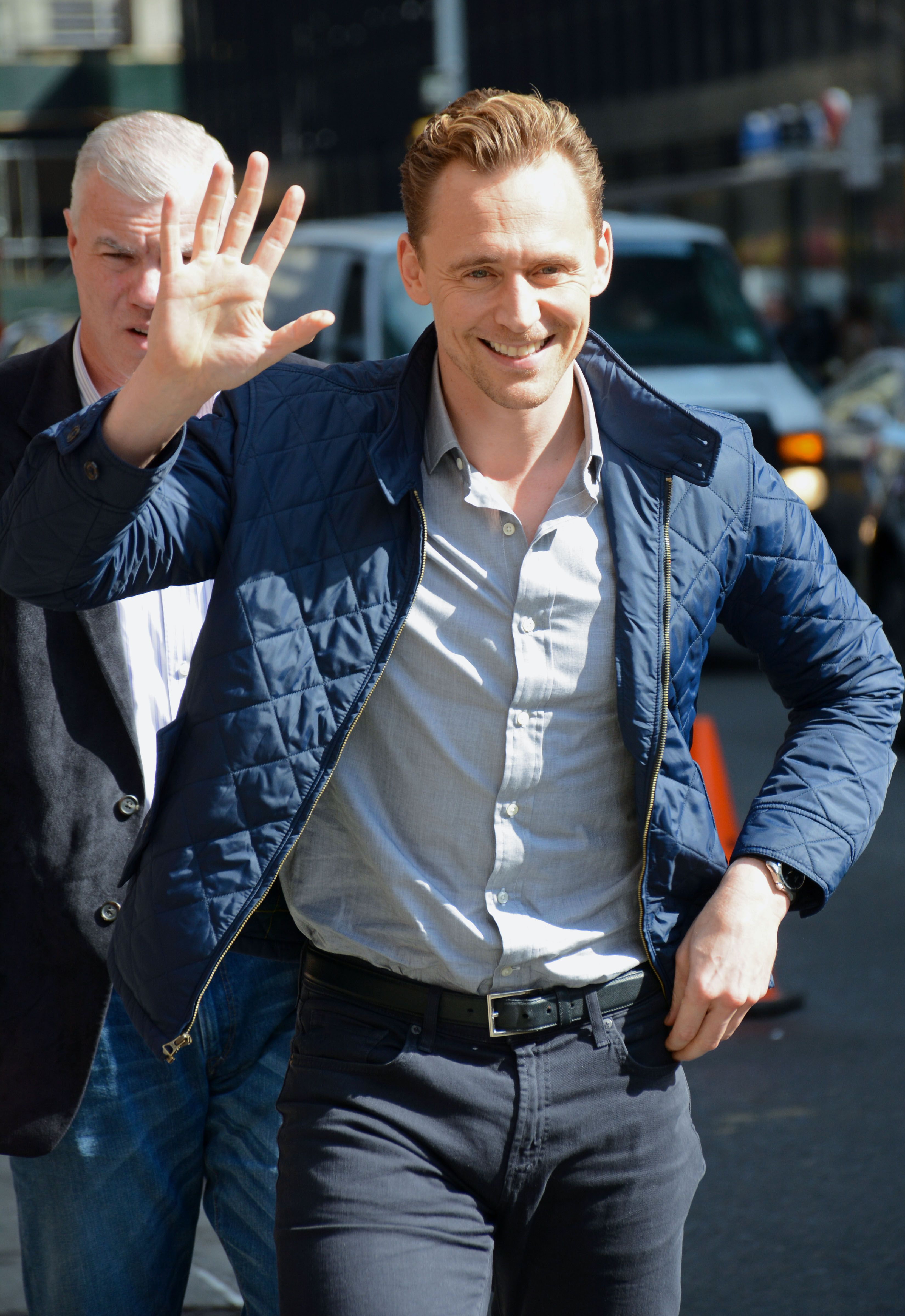 "Tom Hiddleston enters the 'Late Show with Stephen Colbert' studios, NYC to promote ""I Saw The Light"" 28.3.2016 From http://tw.weibo.com/torilla/3958275920321528"