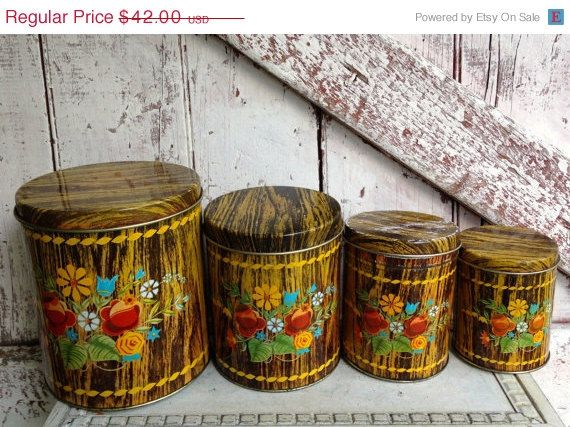 Vintage tin Canister set wood grain design di LititzCarriageHouse