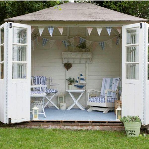 der gartenpavillon luxus oder selbstverst ndlichkeit blaue akzente blau und holz. Black Bedroom Furniture Sets. Home Design Ideas