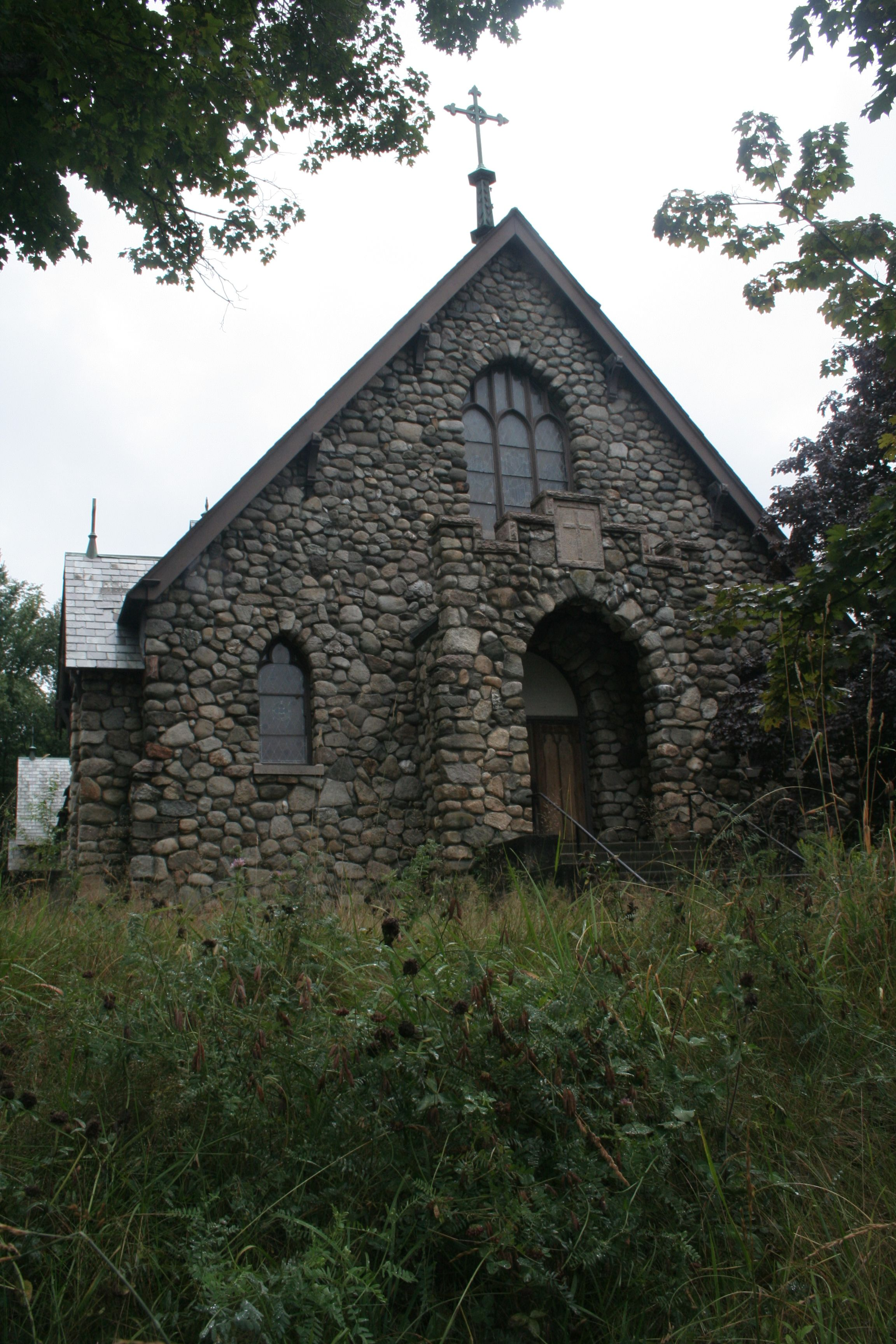 Old stone church - reminds me of my trip to Ireland