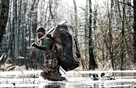 Rig'Em Right DP3 XL Decoy Bag in action #heavilyseasoned #rigemright #duckhunting #watefowl